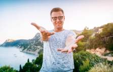 Armin van Buuren a anuntat editia 2017 a compilatiei ASOT Ibiza