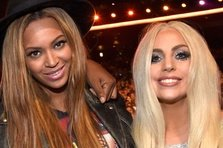 Beyonce ii trimite cadouri lui Lady Gaga