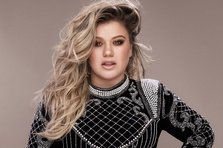 "Kelly Clarkson a lansat albumul ""Meaning Of Life"""