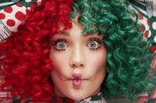 Sia lanseaza un album de Craciun