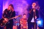 Mii de oameni au cantat alaturi de Directia 5 in cadrul concertului Live in Bucurest