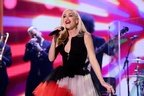 Gwen Stefani - Under the Christmas Lights (live@Jimmy Fallon)
