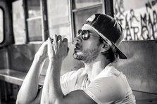 Enrique Iglesias - Subeme la radio ft. Descemer Bueno, Zion & Lennox (videoclip nou)