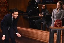 Jennifer Lopez vs. Jimmy Fallon - Dance battle (video)