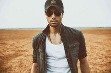 Enrique Iglesias - El Bano feat. Bad Bunny (videoclip nou)