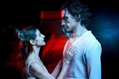 "Alina Cojocaru & Sergei Polunin intr-o versiune glossy ""Romeo & Julieta"" care mai spala imaginea rebelului din Ucraina"